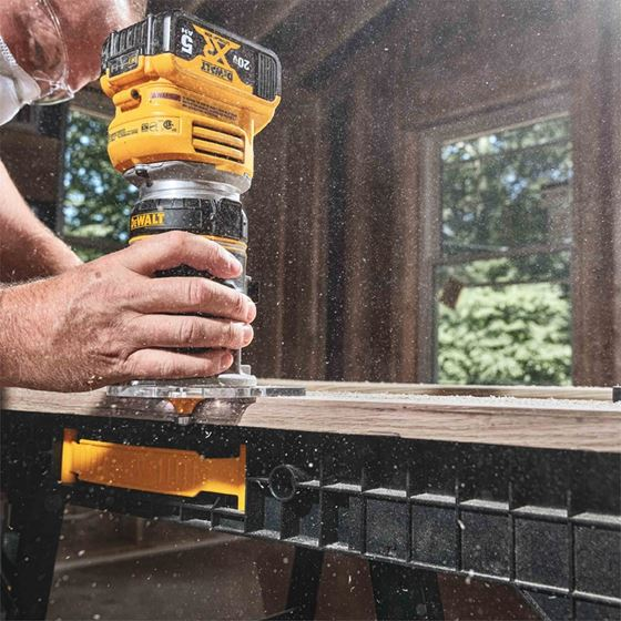 DCW600B 20V MAX XR Cordless Compact Router