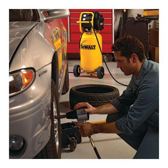 Dewalt D55168 1 6 Hp Continuous 200 Psi 15 Gallon